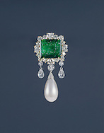 carved square emerald with arabic inscription surrounded by briolette diamonds and large pearl pendant