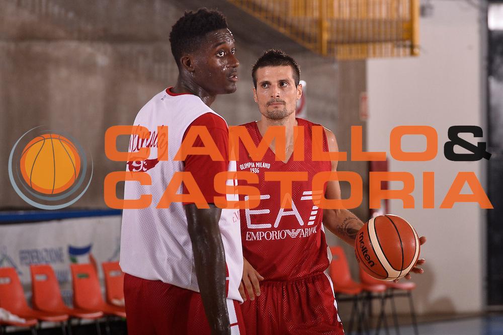 Awudu Abass  Andrea Cinciarini <br /> EA7 Emporio Armani Olimpia Milano allenamento<br /> Lega Basket Serie A 2016/2017<br /> Bormio 25/08/2016<br /> Foto Ciamillo-Castoria