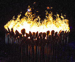 27.07.2012, Olympia Park, London, GBR, Olympia 2012, Eroeffungsfeier, im Bild olympische Feuer // olympic fire during opening ceremony at the 2012 Summer Olympics at Olympic Park London, United Kingdom on 2012/07/27. EXPA Pictures © 2012, PhotoCredit: EXPA/ Johann Groder