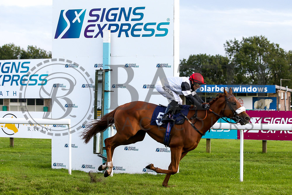 Ampney Red ridden by Raul Da Silva and trained by Michael Appleby in the visitbath.co.uk Handicap - Mandatory by-line: Robbie Stephenson/JMP - 18/07/2020 - HORSE RACING- Bath Racecourse - Bath, England - Bath Races 18/07/20