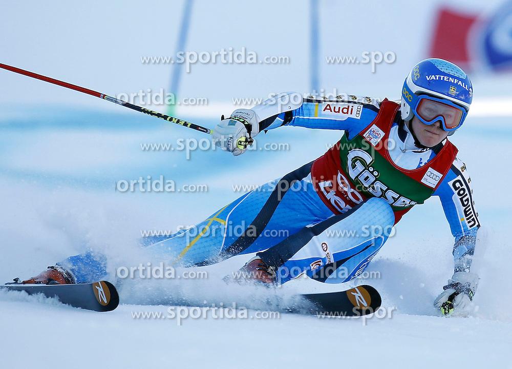 28.12.2013, Hochstein, Lienz, AUT, FIS Weltcup Ski Alpin, Damen, Riesenslalom 2. Durchgang, im Bild Jessica Lindell-Vikarby (SWE) // Jessica Lindell-Vikarby of (SWE) during ladies Giant Slalom 2 nd run of FIS Ski Alpine Worldcup at Hochstein in Lienz, Austria on 2013/12/28. EXPA Pictures © 2013, PhotoCredit: EXPA/ Oskar Höher