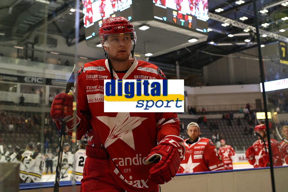GET-ligaen Ice Hockey, 27. october 2016 ,  Stavanger Oilers v Stjernen<br />Marcus Bjørsland fra Stjernen etter kampen mot Stavanger Oilers<br />Foto: Andrew Halseid Budd , Digitalsport