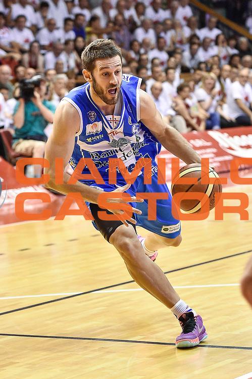 DESCRIZIONE : Campionato 2014/15 Serie A Beko Grissin Bon Reggio Emilia -  Dinamo Banco di Sardegna Sassar Finale Playoff Gara1<br /> GIOCATORE : Matteo Formenti<br /> CATEGORIA : Palleggio Penetrazione<br /> SQUADRA : Dinamo Banco di Sardegna Sassari<br /> EVENTO : LegaBasket Serie A Beko 2014/2015<br /> GARA : Grissin Bon Reggio Emilia - Dinamo Banco di Sardegna Sassari Finale Playoff Gara1<br /> DATA : 14/06/2015<br /> SPORT : Pallacanestro <br /> AUTORE : Agenzia Ciamillo-Castoria/GiulioCiamillo