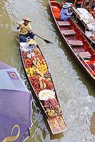 Floating Market Damnoen Saduak Thailand