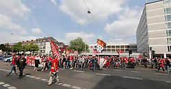 04.05.2014, Rhein-Energie Stadion, Koeln, GER, 2. FBL, 1. FC Koeln vs FC St. Pauli, 33. Runde, im Bild Zug der Koelner Fans ueber die Aachener Str. zum Stadion // during the German 2nd Bundesliga 33th round match between 1. FC Cologne and FC St Pauli at the Rhein-Energie Stadion in Koeln, Germany on 2014/05/04. EXPA Pictures © 2014, PhotoCredit: EXPA/ Eibner-Pressefoto/ Schueler<br /> <br /> *****ATTENTION - OUT of GER*****