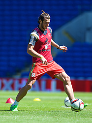 CARDIFF, WALES - Friday, June 5, 2015: Wales' Gareth Bale before a practice match at the Cardiff City Stadium ahead of the UEFA Euro 2016 Qualifying Round Group B match against Belgium. (Pic by David Rawcliffe/Propaganda)