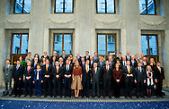 7-1-2016 AMSTERDAM - The european commission visits Thursday, January 7th, 2016 a visit to the Netherlands. The Commission visit by the King Willem Alexander and Maxima queen at the palace on the Dam, has met with the entire Dutch cabinet and speaks with members of the Senate and House. The visit marks the start of the Dutch Presidency of the European Union. COPYRIGHT ROBIN UTRECHT<br /> DEN HAAG - Koning Willem-Alexander en koningin Maxima gaan op de foto met de Europese Commissie in het Koninklijk Paleis in het kader van het EU-Voorzitterschap van Nederland in de eerste helft van 2016.