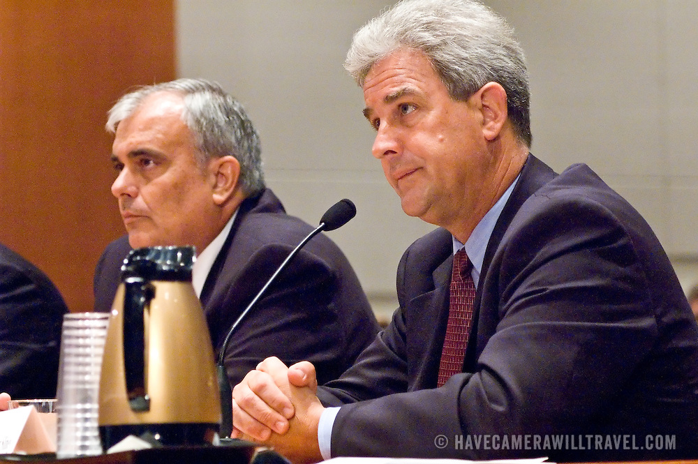 """John S. White (left), former Facility Manager, Air Traffic Control Systems Command Center, FAA; Benedict Sliney (right), Operations Manager, New York Terminal Radar Approach Control, FAA. Panel: FAA Response on 9/11. The 9/11 Commission's 12th public hearing on """"The 9/11 Plot"""" and """"National Crisis Management"""" was held June 16-17, 2004, in Washington, DC."""