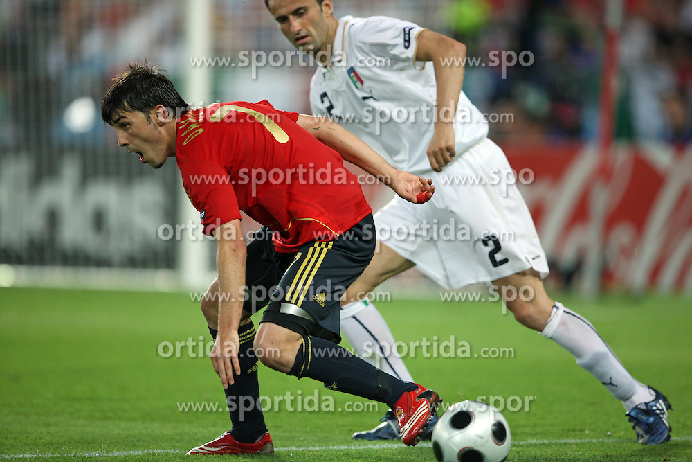 David Villa of Spain (7) vs Christian Panucci of Italy (2) during the UEFA EURO 2008 Quarter-Final soccer match between Spain and Italy at Ernst-Happel Stadium, on June 22,2008, in Wien, Austria. Spain won after penalty shots 4:2. (Photo by Vid Ponikvar / Sportal Images)