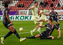 27-09-2018 NED: FC Utrecht - MVV Maastricht, Utrecht<br /> Cyriel Dessers #11 of FC Utrecht, Luc Mares #17 of MVV