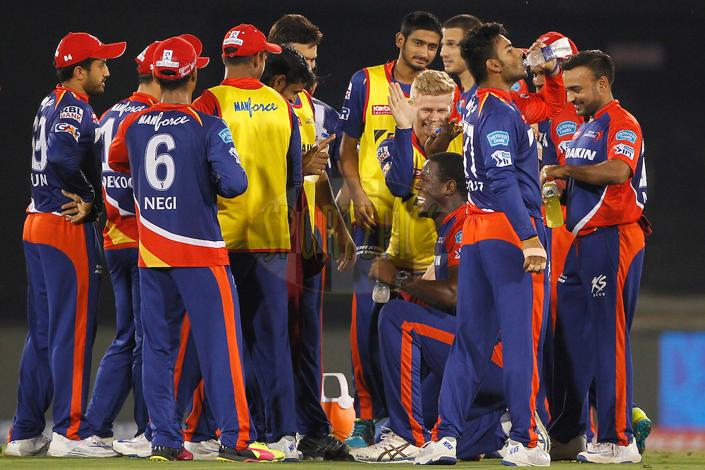 Carlos Brathwaite of Delhi Daredevils and team mates celebrates the wicket of Shikhar Dhawan of Sunrisers Hyderabad during match 52 of the Vivo Indian Premier League ( IPL ) between the Delhi Daredevils and the the Sunrisers Hyderabad held at the Shaheed Veer Narayan Singh International Cricket Stadium, Naya Raipur, India on the 20th May 2016<br /> <br /> Photo by Deepak Malik / IPL/ SPORTZPICS