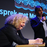 Nederland, Amsterdam , 11 september 2013.<br /> In de Balie.<br /> Een gesprek met kunstenares Marlene Dumas.<br /> Marlene Dumas (Kaapstad, 3 augustus 1953) is een in Zuid-Afrika geboren kunstenares. Zij woont en werkt sinds 1976 in Amsterdam en wordt als een Nederlandse kunstenares beschouwd.<br /> Dumas wordt geinterviewd door journalist en directeur van de Balie Yoeri Albrecht.<br /> A public conversation with artist Marlene Dumas in cultural center De Balie in Amsterdam.<br /> Foto:Jean-Pierre Jans