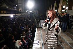 PAOLA TAVERNA<br /> COMIZIO MOVIMENTO 5 STELLE PIAZZA TRENTO TRIESTE