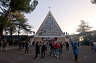 Rome, Italy. 28th January 2016<br /> Hundreds of peopleof the Movements for the right to housing they  blocked the eviction of two buildings, property of the religious Congregation of the Montfort, occupied Dec. 8 to coincide with the opening of the doors of the Holy Jubilee of Mercy from 120 families.