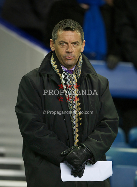 LIVERPOOL, ENGLAND - Tuesday, March 1, 2011: Preston North End manager Phil Brown during the FA Cup 5th Round match between Everton and Reading at Goodison Park. (Photo by David Rawcliffe/Propaganda)