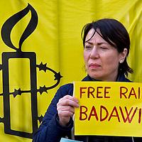 Non una frustata di più, libertà per Raif Badawi