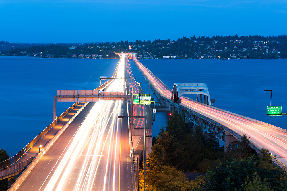 Homer M. Hadley Memorial Bridge over Lake Washington, Seattle Metropolitan area, Washington, Washington State, USA