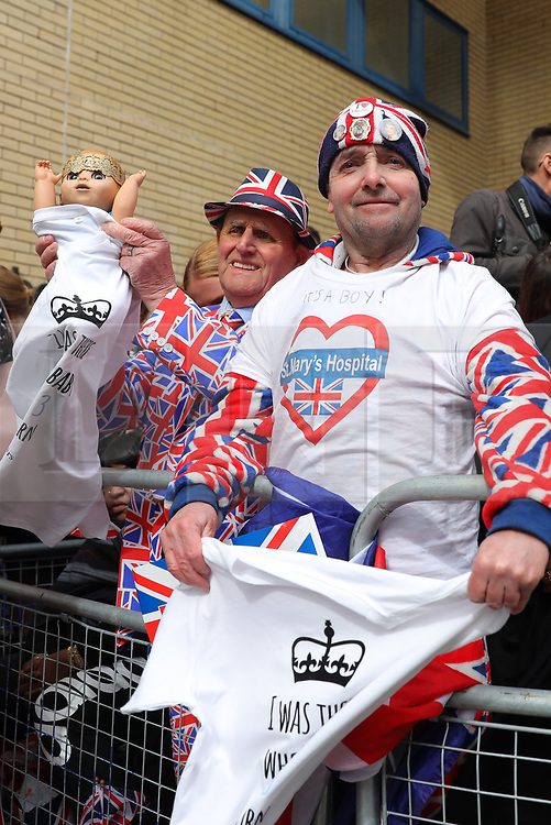 © Licensed to London News Pictures. 23/04/2018. London, UK. Royal fans wait outside the Lindo Wing at St Mary's Hospital in London. HRH The Duchess of Cambridge has given birth to a baby boy, her third child with husband Prince William. Photo credit: Rob Pinney/LNP