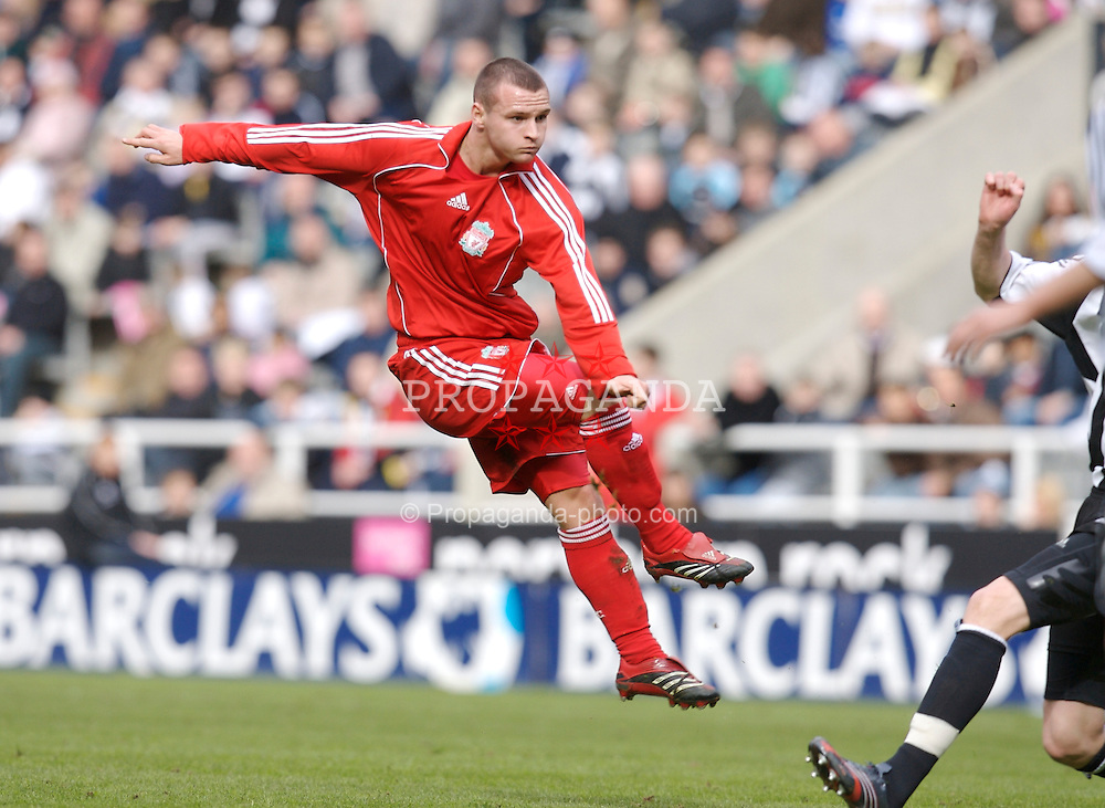 Newcastle, England - Saturday, March 10, 2007: Liverpool's Jimmy Ryan in action against Newcastle United during the FA Youth Cup Semi Final 1st Leg at St James' Park. (Pic by David Rawcliffe/Propaganda)