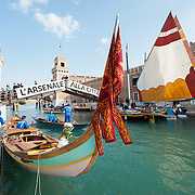 Venetians demands the restitution of the Arsenale