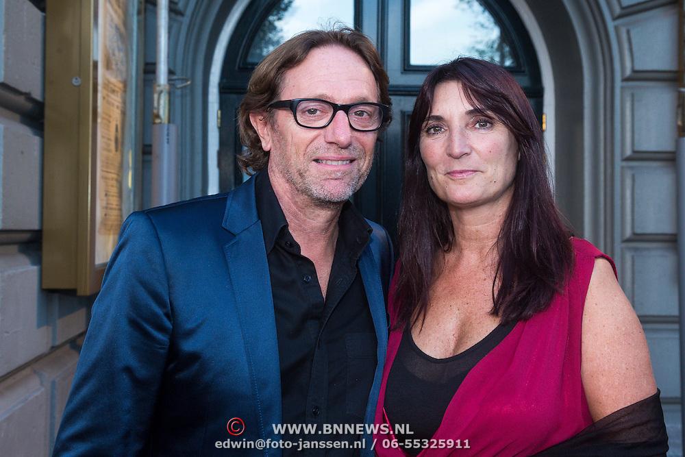 NLD/Amsterdam/20130903 - Inloop premiere Stiletto 2, Eric van Tijn en partner Teruska Bollen