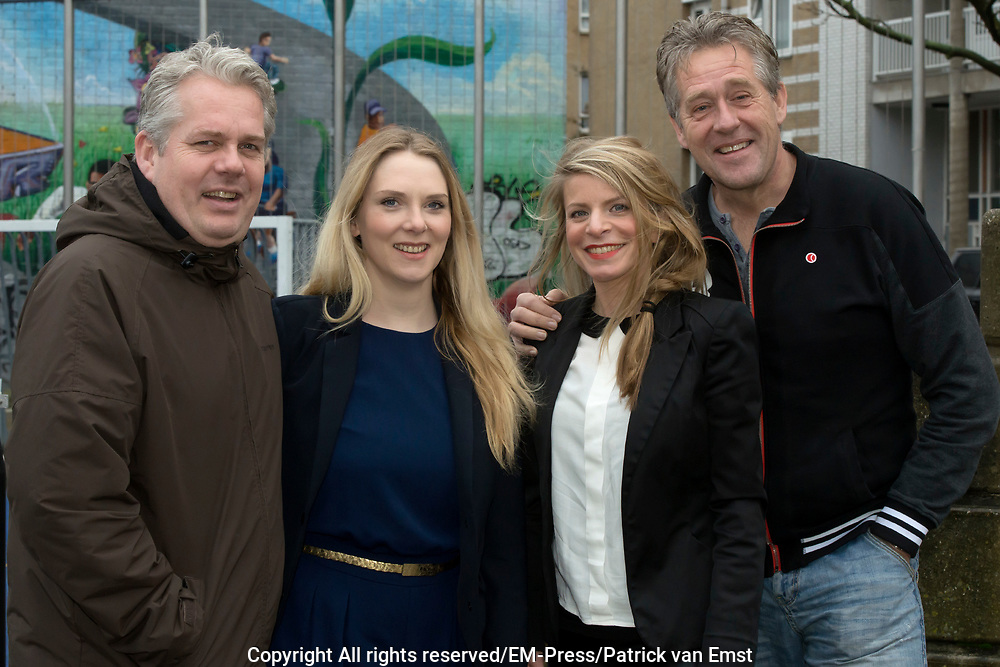 Cast  &lsquo;JEUK&rsquo; SEIZOEN 2. Jeuk, de meest schaamteloze en schaamtevolle comedy van Nederland.<br /> <br /> Op de foto:  Thomas Acda , Jelka van Houten , Rosa Reuten en  Peter Heerschop