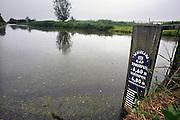 Nederland, Nieuwerkerk aan den IJssel, 28-5-2008Het laagste punt van het land in de Zuidplaspolder. hier een  De gemeente Nieuwerkerk heeft plannen de polder tot recreatiegebied te transformeren waarbij dit punt onder water zou komen te staan.Foto: Flip Franssen/Hollandse Hoogte