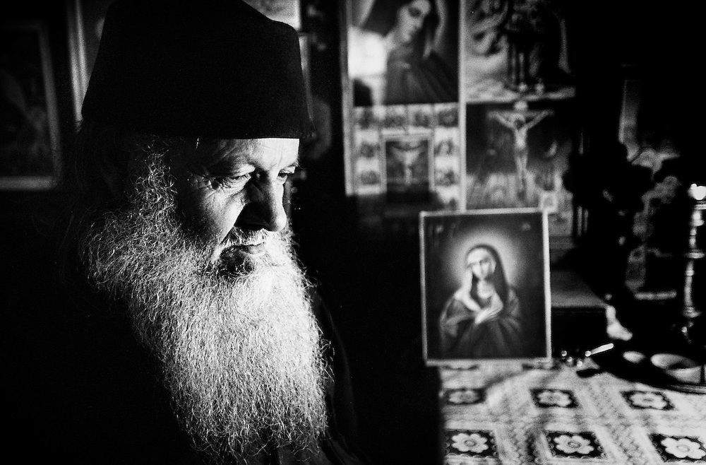 Neamt County, Romania, July 2007<br /> Father Macarie, 88 yars old, orthodox monk in the Neamt monastery.<br /> Photo: Ezequiel Scagnetti