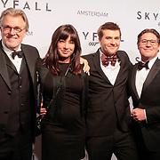 NLD/Amsterdam/20121028 - Inloop premiere nieuwe James Bond film Skyfall , Jeroen Krabbe, Amanda Beekman, Jasper faber en broer Martijn Krabbe