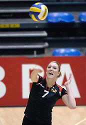 04-03-2006 VOLLEYBAL: FINAL 4 DAMES: AMVJ - PLANTINA LONGA: ROTTERDAM<br /> Longa was veel te sterk voor de dames uit Amstelveen (3-0) / Quinta Steenbergen<br /> Copyrights 2006 WWW.FOTOHOOGENDOORN.NL