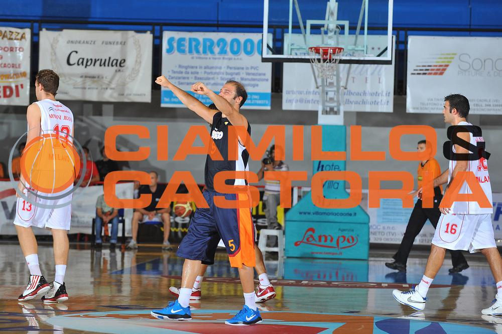 DESCRIZIONE : Caorle 4 Torneo di Caorle Lega A 2010-11 Lottomatica Virtus Roma Armani Jean Milano<br /> GIOCATORE : Jacopo Giachetti<br /> SQUADRA : Lottomatica Virtus Roma Armani Jean Milano<br /> EVENTO : Campionato Lega A 2010-2011 <br /> GARA : Lottomatica Virtus Roma Armani Jean Milano<br /> DATA : 17/09/2010<br /> CATEGORIA :  Esultanza<br /> SPORT : Pallacanestro <br /> AUTORE : Agenzia Ciamillo-Castoria/M.Gregolin<br /> Galleria : Lega Basket A 2010-2011 <br /> Fotonotizia : Caorle 4 Torneo di Caorle Lega A 2010-11 Lottomatica Virtus Roma Armani Jean Milano<br /> Predefinita :
