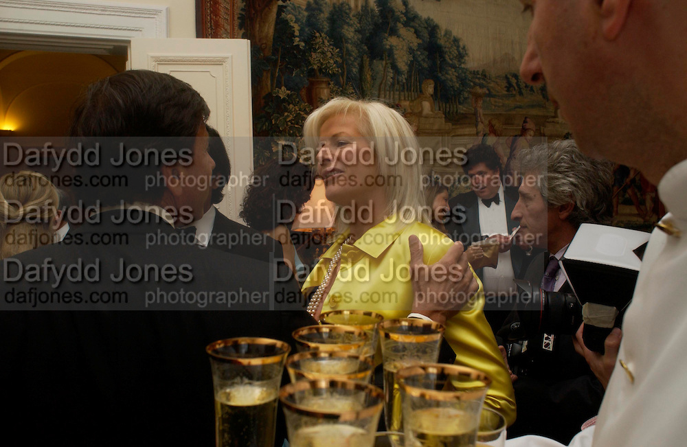 Countess  Guerrini Maraldi. An Evening in honour of Salvatore Ferragamo hosted by the Ambassador of Italy. The Italian Embassy, 4 Grosvenor Square. London W1. 8 June 2005. ONE TIME USE ONLY - DO NOT ARCHIVE  © Copyright Photograph by Dafydd Jones 66 Stockwell Park Rd. London SW9 0DA Tel 020 7733 0108 www.dafjones.com