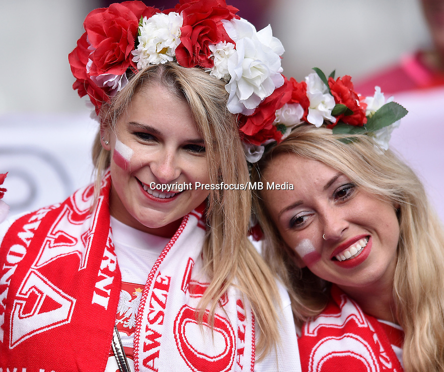 2016.06.16 Saint-Denis<br /> Pilka nozna Euro 2016<br /> mecz grupy C Polska - Niemcy<br /> N/z Kibice Polski, Fans Poland<br /> Foto Lukasz Laskowski / PressFocus<br /> <br /> 2016.06.16 Saint-Denis<br /> Football UEFA Euro 2016 group C game between Poland and Germany<br /> Kibice Polski, Fans Poland<br /> Credit: Lukasz Laskowski / PressFocus