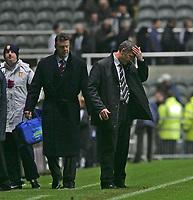 Photo: Andrew Unwin.<br />Newcastle Utd v Aston Villa. The Barclays Premiership.<br />03/12/2005.<br />Newcastle's under-pressure manager, Graeme Souness (R) with Aston Villa's David O'Leary (L).