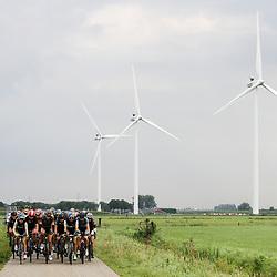 TIEL (NED) wielrennen<br /> De tweede etappe was rond Tiel en ging door de Betuwe
