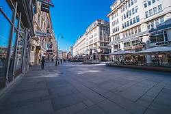 "leere Strassen am Graben in Folge des Coronavirus-Ausbruchs in Oesterreich, aufgenommen am 15.03.2020, Wien, Oesterreich // empty streets at the ""Graben"" as a result of the coronavirus outbreak in Austria, Vienna, Austria on 2020/03/15. EXPA Pictures © 2020, PhotoCredit: EXPA/ Florian Schroetter"