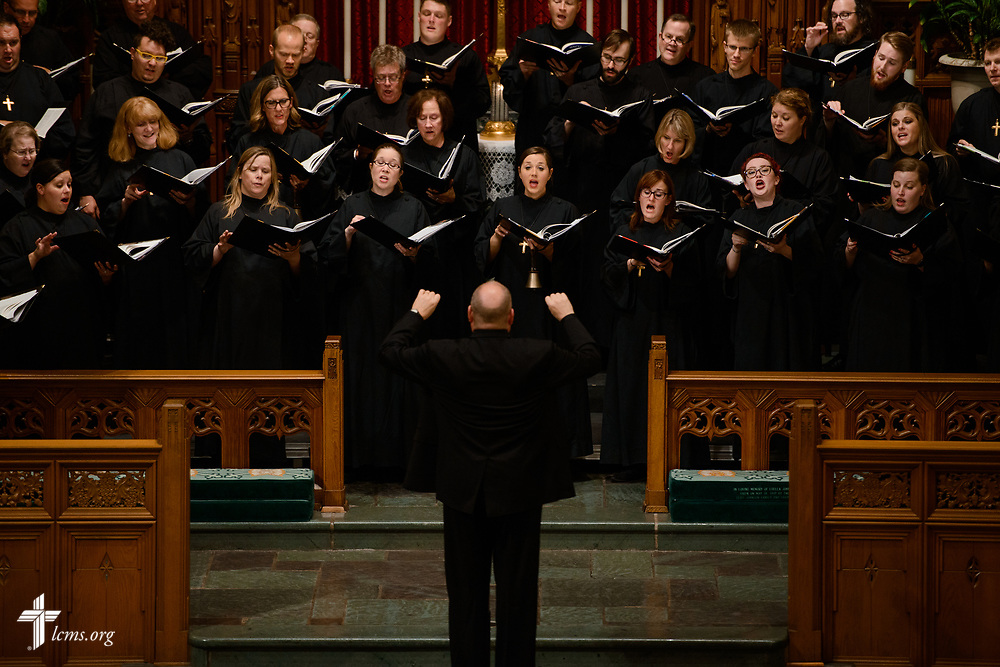 The National Lutheran Choir performs during the 2017 Institute on Liturgy, Preaching and Church Music on Tuesday, July 25, 2017, in River Forest, Ill. LCMS Communications/Erik M. Lunsford