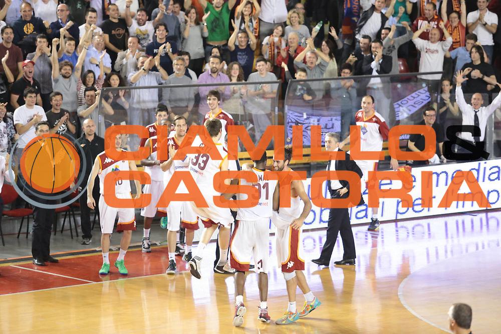 DESCRIZIONE : Roma Lega A 2012-2013 Acea Roma Lenovo Cantu playoff semifinale gara 2<br /> GIOCATORE : team<br /> CATEGORIA : fair play esultanza<br /> SQUADRA : Acea Roma<br /> EVENTO : Campionato Lega A 2012-2013 playoff semifinale gara 2<br /> GARA : Acea Roma Lenovo Cantu<br /> DATA : 27/05/2013<br /> SPORT : Pallacanestro <br /> AUTORE : Agenzia Ciamillo-Castoria/M.Simoni<br /> Galleria : Lega Basket A 2012-2013  <br /> Fotonotizia : Roma Lega A 2012-2013 Acea Roma Lenovo Cantu playoff semifinale gara 2<br /> Predefinita :