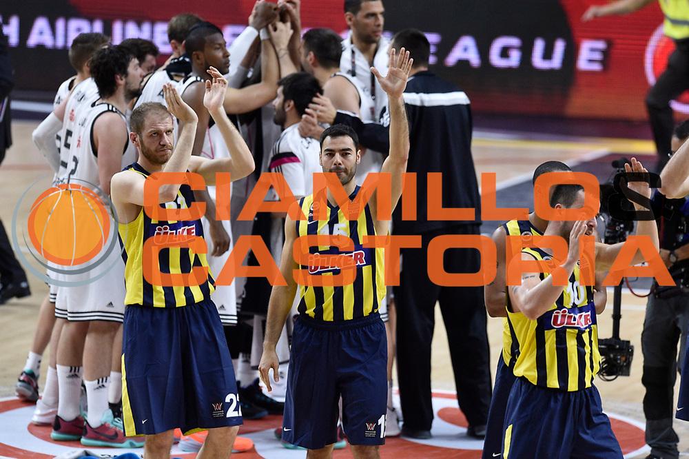 DESCRIZIONE : Madrid Eurolega Euroleague 2014-15 Final Four Semifinal Semifinale Real Madrid Fenerbahce Ulker Istanbul <br /> GIOCATORE : Team Fenerbahce Ulker Istanbul<br /> SQUADRA : Fenerbahce Ulker Istanbul<br /> CATEGORIA : ritratto delusione<br /> EVENTO : Eurolega 2014-2015<br /> GARA : Real Madrid Fenerbahce Ulker Istanbul <br /> DATA : 15/05/2015<br /> SPORT : Pallacanestro<br /> AUTORE : Agenzia Ciamillo-Castoria/GiulioCiamillo<br /> Galleria : Eurolega 2014-2015<br /> DESCRIZIONE : Madrid Eurolega Euroleague 2014-15 Final Four Semifinal Semifinale Real Madrid Fenerbahce Ulker Istanbul