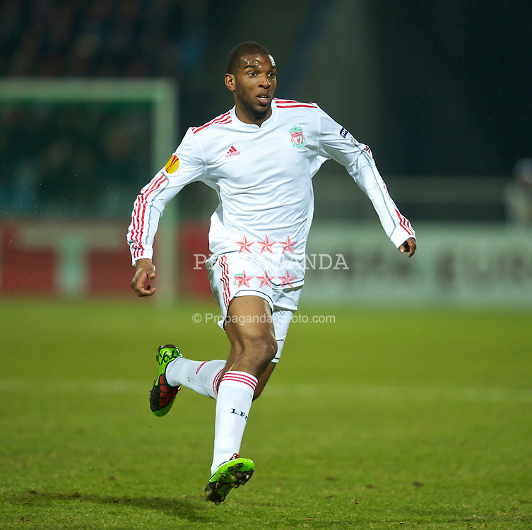 LILLE, FRANCE - Thursday, March 11, 2010: Liverpool's Ryan Babel in action against LOSC Lille Metropole during the UEFA Europa League Round of 16 1st Leg match at the Stadium Lille-Metropole. (Photo by David Rawcliffe/Propaganda)