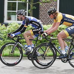 WIELRENNEN Rijssen, de 62e ronde van Overijssel werd op zaterdag 3 mei verreden. (43) Robbert de Greef en Dion Beukeboom