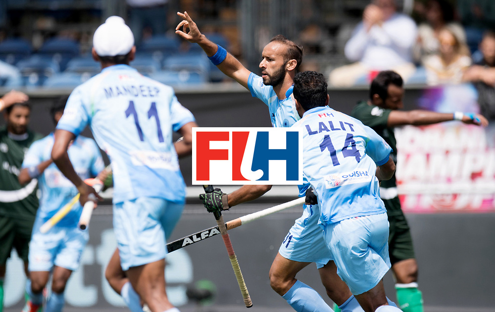 BREDA - Rabobank Hockey Champions Trophy<br /> India - Pakistan<br /> Photo: Ramandeep Singh scores the 1-0.<br /> COPYRIGHT WORLDSPORTPICS FRANK UIJLENBROEK