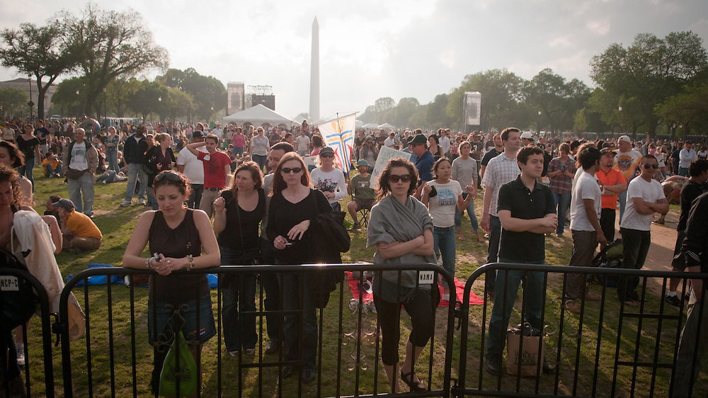 Washington, DC held one of the largest Earth Day gatherings in America on the National Mall in support for national action on global warming. 2010 was the 40th anniversary of Earth Day. The event included a free festival with music, entertainment, speakers and environmental activities.