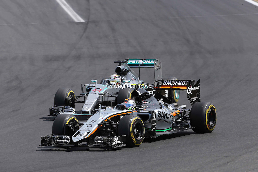 &copy; Photo4 / LaPresse<br /> 26/07/2015 Budapest, Hungary<br /> Sport <br /> Grand Prix Formula One Hungary 2015<br /> In the pic: Sergio Perez (MEX) Sahara Force India F1 VJM08 and Lewis Hamilton (GBR) Mercedes AMG F1 W06