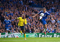 LONDON, ENGLAND - Wednesday, May 6, 2009: Chelsea's Didier Drogba in action against Barcelona during the UEFA Champions League Semi-Final 2nd Leg match at Stamford Bridge. (Photo by David Rawcliffe/Propaganda)