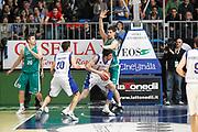 DESCRIZIONE : Cantu Campionato Lega A 2011-12 Bennet Cantu Benetton Treviso<br /> GIOCATORE : Giorgi Shermadini Gino Cuccarolo<br /> CATEGORIA : Palleggio Fallo<br /> SQUADRA : Bennet Cantu Benetton Treviso<br /> EVENTO : Campionato Lega A 2011-2012<br /> GARA : Bennet Cantu Benetton Treviso<br /> DATA : 26/02/2012<br /> SPORT : Pallacanestro<br /> AUTORE : Agenzia Ciamillo-Castoria/G.Cottini<br /> Galleria : Lega Basket A 2011-2012<br /> Fotonotizia : Cantu Campionato Lega A 2011-12 Bennet Cantu Benetton Treviso<br /> Predefinita :