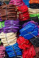 Indonesie, Bali, Artisanat à Ubud, tongue // Indonesia, Bali, Handicraft at Ubud, tongue shoe