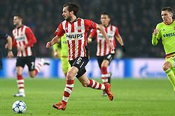 08-12-2015 NED: UEFA CL PSV - CSKA Moskou, Eindhoven<br /> PSV wint met 2-1 en plaatst zich voor de volgende ronde in de CL / Davy Propper #6