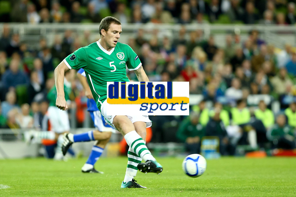 Football - UEFA Championship Qualifier - Republic of Ireland v Andorra<br /> Richard Dunne (Rep of Ireland) in action in the UEFA Championship Group B Qualifier between the Republic of Ireland and Andorra at the Aviva Stadium in Dublin.