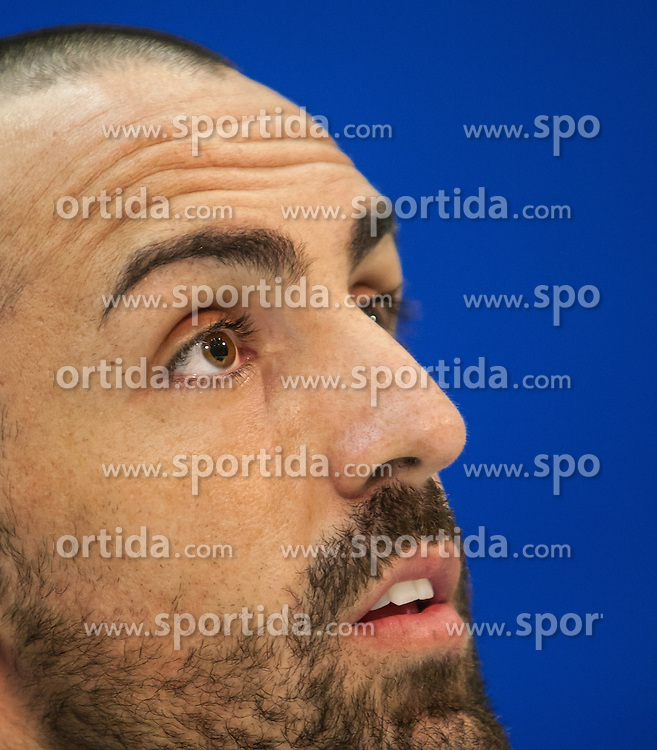 05.12.2012, Stadio Friuli, Udine, ITA, UEFA EL, Udinese Calcio vs FC Liverpool, Gruppe A, Pressekonferenz, FC Liverpool, im Bild Jose Enrique (# 03, Liverpool FC) // Jose Enrique (# 03, Liverpool FC) during Pressconference of Liverpool FC before the UEFA Europa League group A match between Udinese Calcio .and Liverpool FC at the Stadio Friuli, Udinese, Italy on 2012/12/05. EXPA Pictures © 2012, PhotoCredit: EXPA/ Juergen Feichter